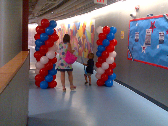 Balloon-Columns-Stand-At-Event.jpg