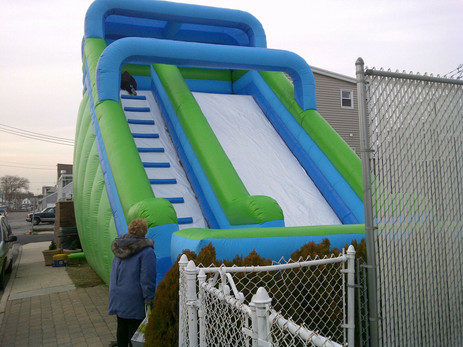 Giant-Inflatable-Rides-For-Rent.jpg