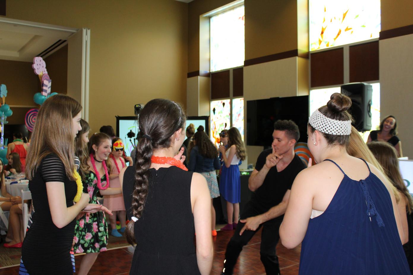 Motivational-Dancer-For-Event.JPG