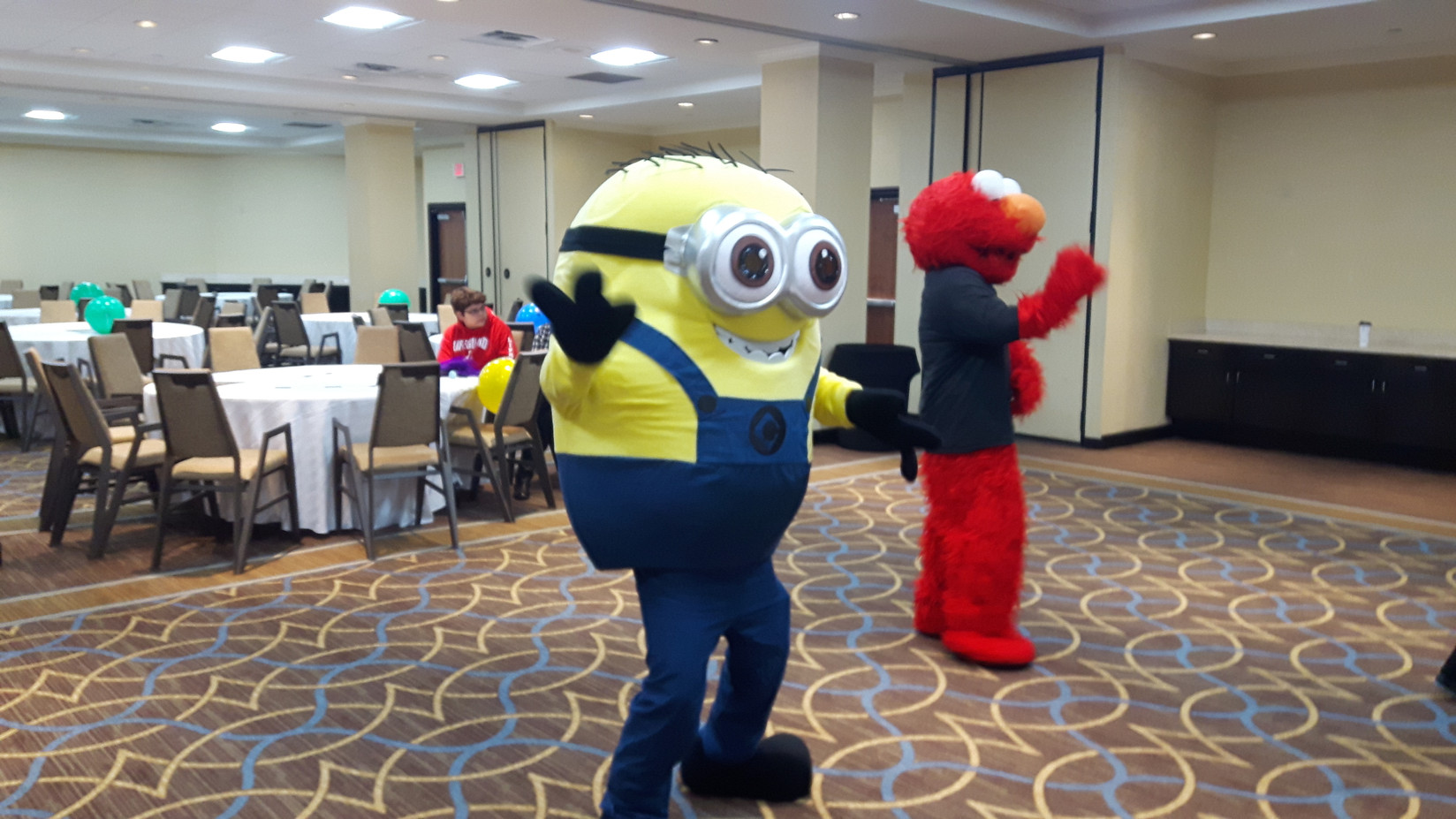 Dancing-Minion-Costume-Character.jpg