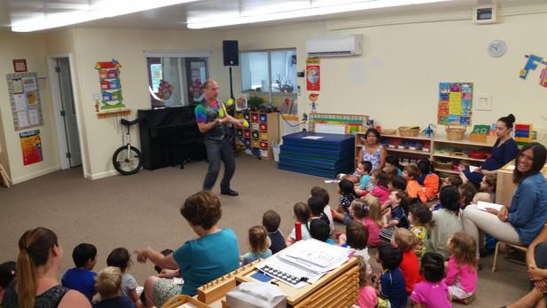 Ball-Juggler-At-Kids-Workshop.jpg