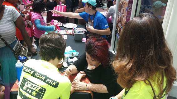 Henna-Tattoo-Artist-For-Events.jpg