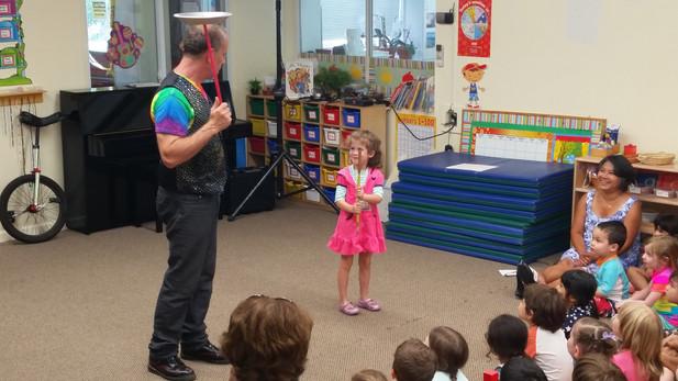 Juggling-Balancing-Workshop-With-Kids.jpg
