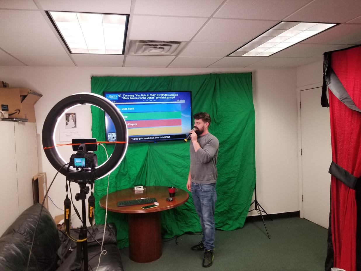 Virtual-Trivia-Show.jpg