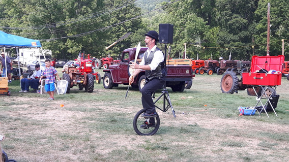 Unicyclist-At-The-Circus.jpg