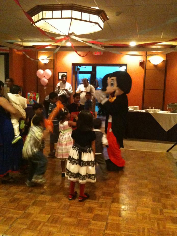 Mickey-Mouse-Mascot-Character-At-Kids-Party.JPG