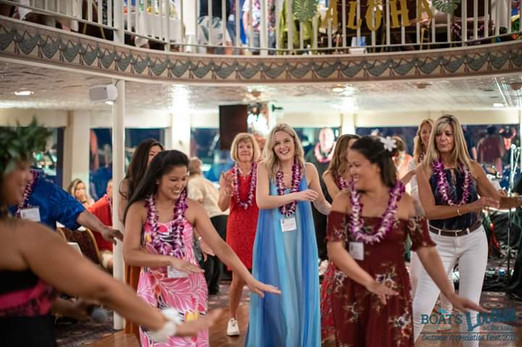 Hula-Dancer-With-Audience-Participation.jpg