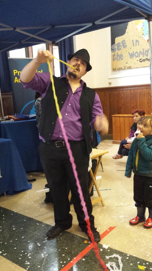 Balloon-Magic-Show-For-Kids.jpg