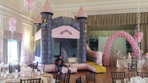 Inflatable-Castle-For-Birthday-Party.jpg