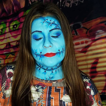 Woman-Halloween-Face-Painting.jpg