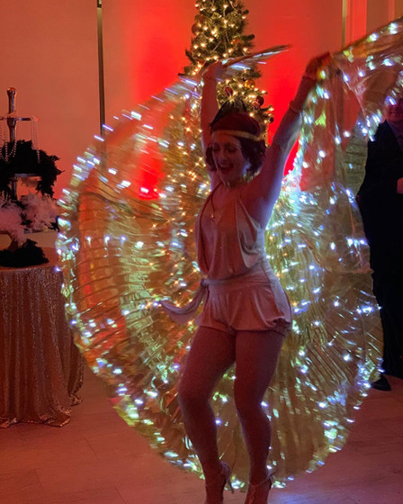 MME-Aerialist-At-Event