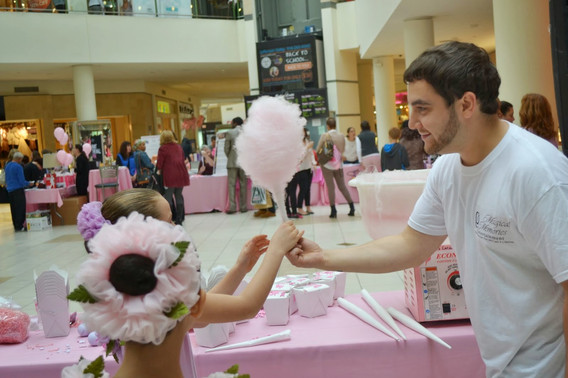 Cotton-Candy-At-Party.JPG