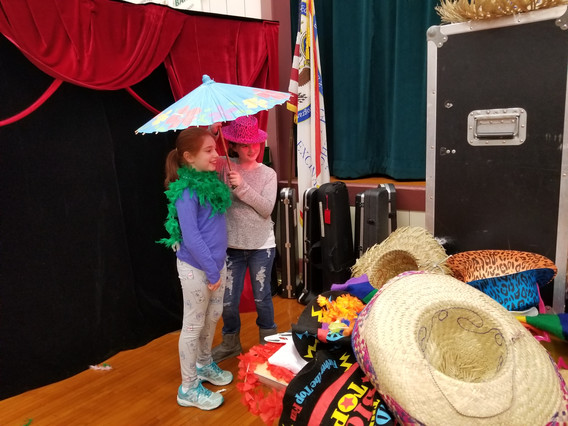 Open-Air-Photo-Booth-Props-For-Kids.jpg
