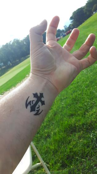 Cross-Design-Airbrush-Tattoo.jpg