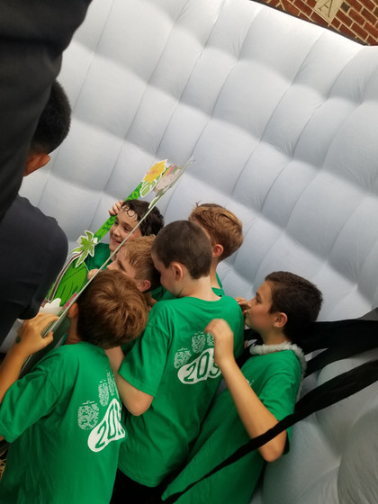White-Inflatable-Photo-Booth-For-Kids.jpg