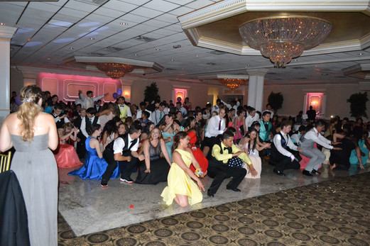 Prom-Group-Dance.JPG