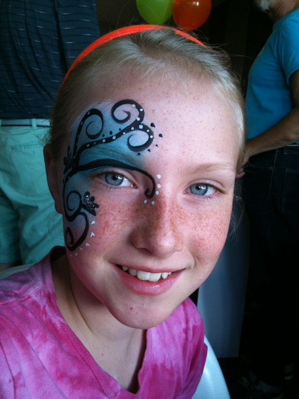 Standard-Flower-Art-Face-Painter.jpg