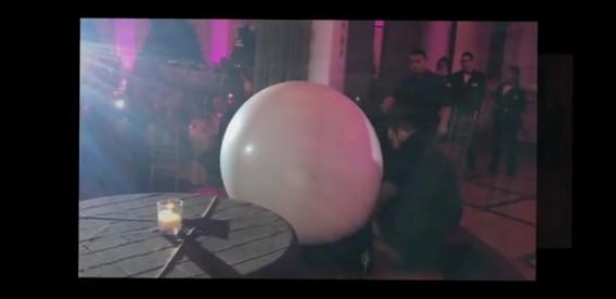 Party-Balloon-Grand-Entrance.jpg
