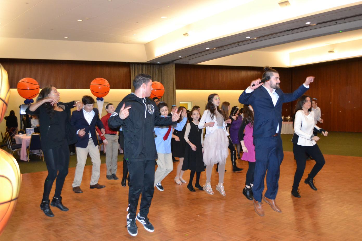 Motivational-Dancer-Teens-Event.JPG