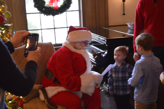 Santa-Holiday-Event-With-Kids.JPG
