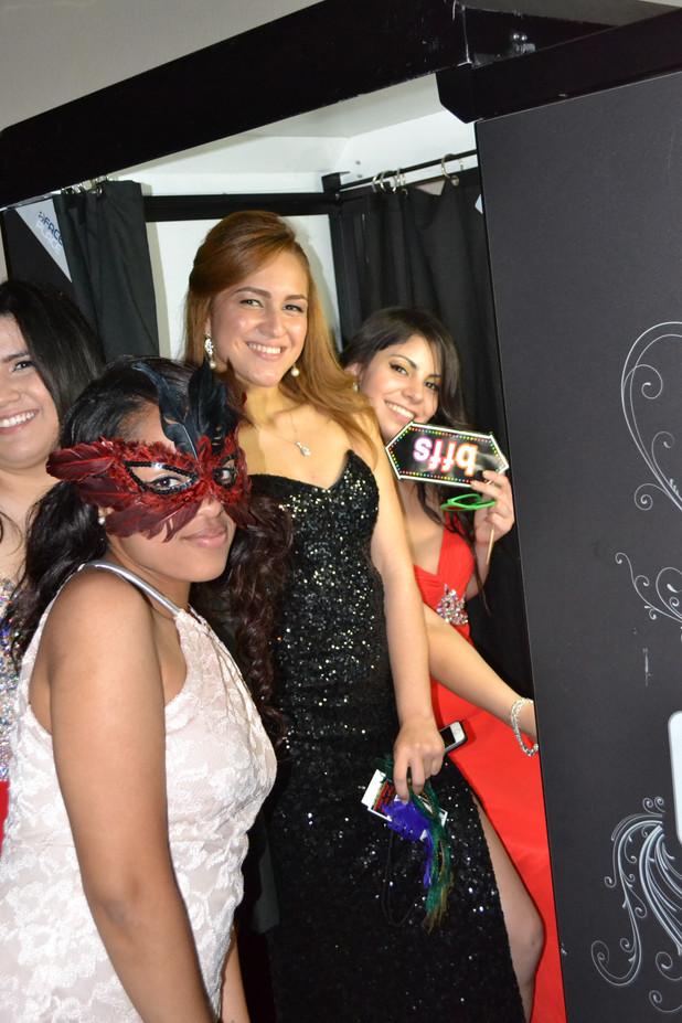 Girls-Prom-Photos.JPG