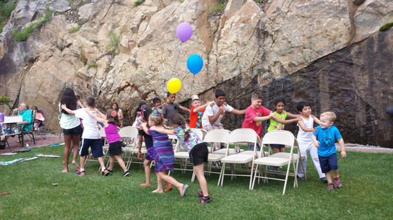 Music-Chair-Game-For-Kids-Birthday-Party.jpg