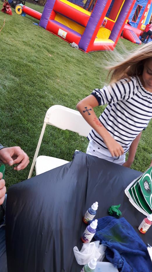 Airbrush-tattoo-On-Arms.jpg