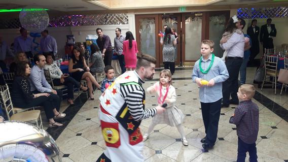 Clown-At-Kids-Party.jpg