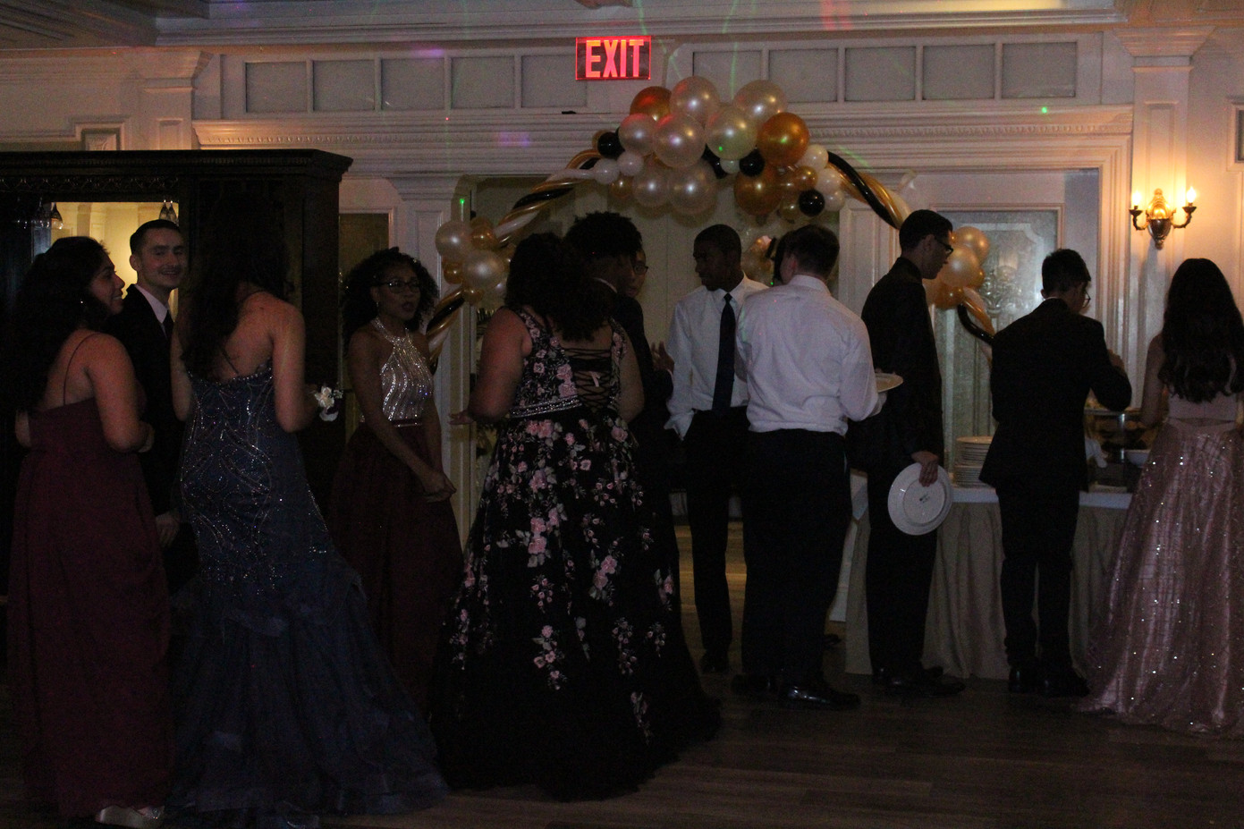 Prom-Dance-Pictures.JPG