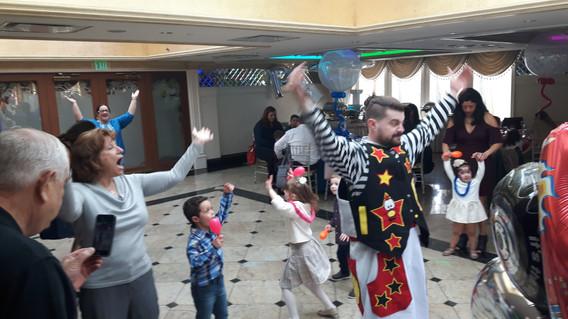 Party-Clown-Dance-Show.jpg