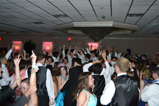 High-School-Group-Prom-Dance.JPG