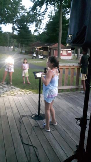 Karaoke-Singing-For-Kids.jpg