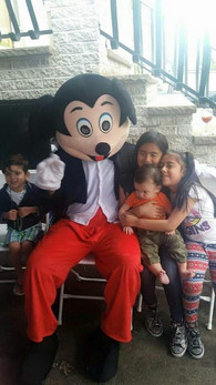 Mickey-Mouse-Character-Visit.jpg