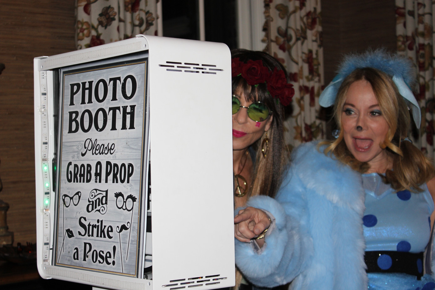Halloween-Themed-Party-Photo-Booth.JPG