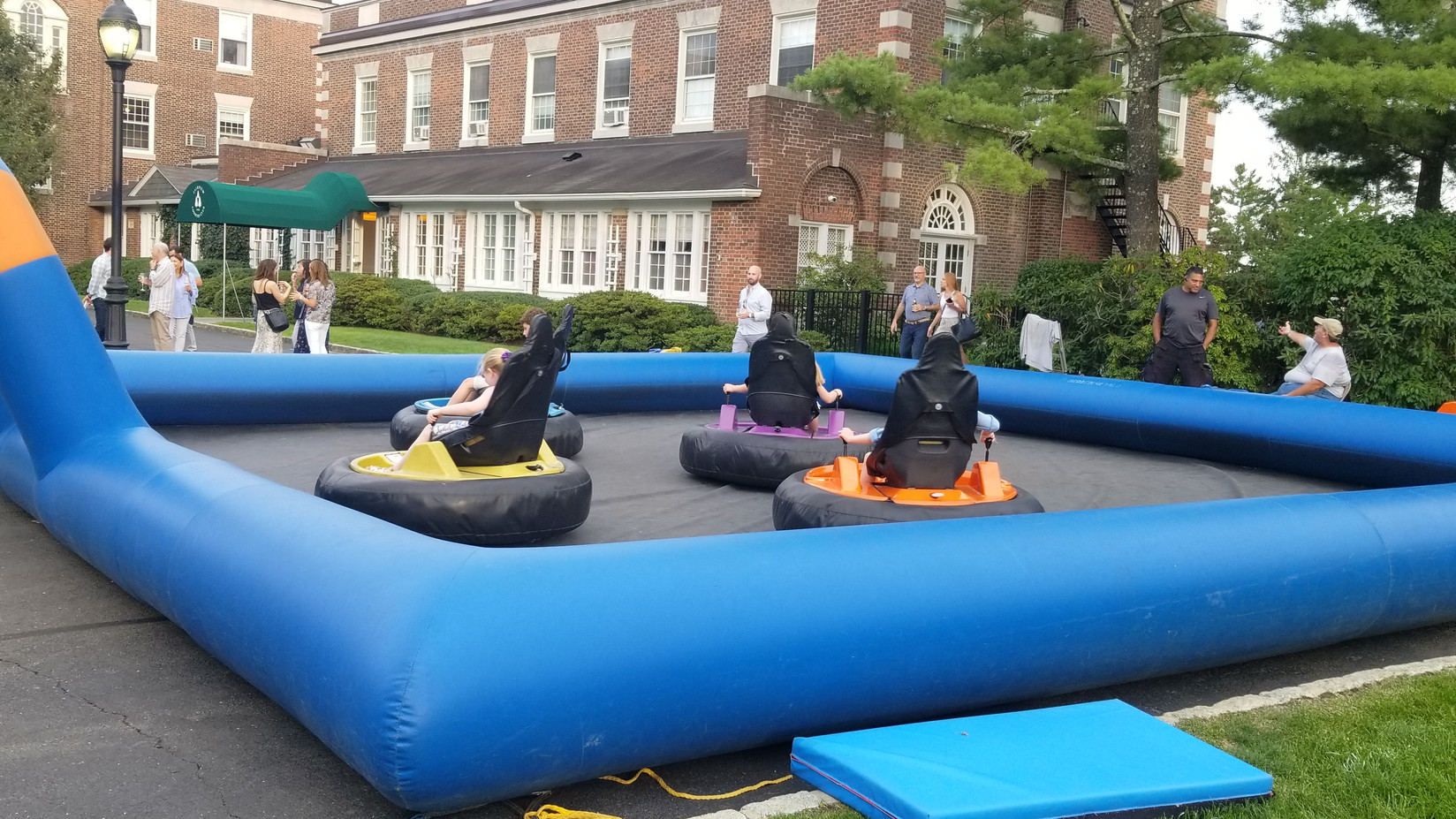 Bumper-Cars-For-Rent-At-Events.jpg
