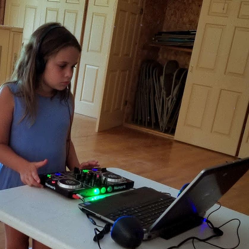 Girl-Learning-Dj.jpg