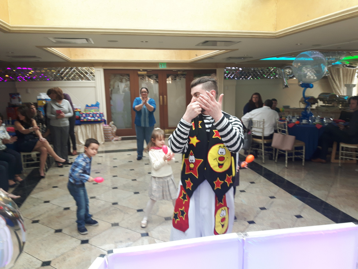 Clown-Party-Enhancer-For-Kids.jpg