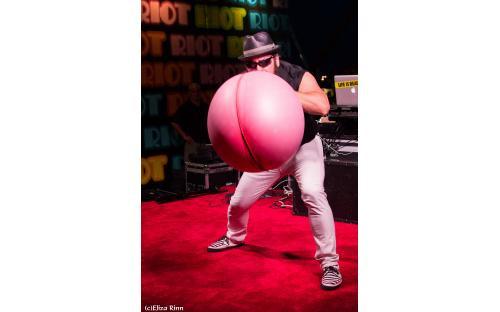 Blowing-Up-A-Hot-Balloon.jpg