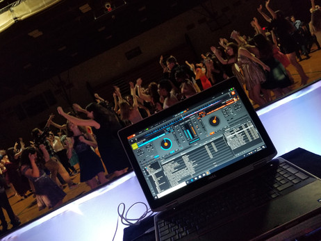 Professional-Interactive-Dj-For-Night-Party.jpg