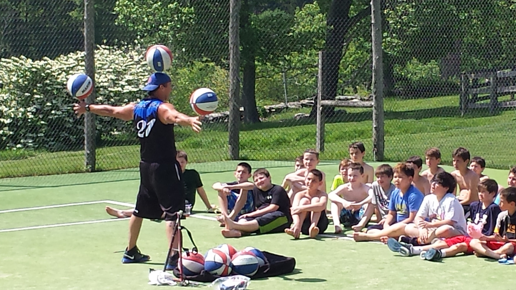 Basketball-Trick-Perfomer-For-Teens.jpg