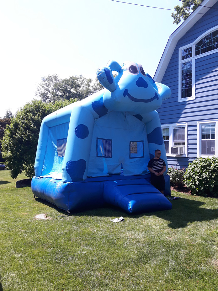 Deluxe-Bounce-House-For-Rent.jpg