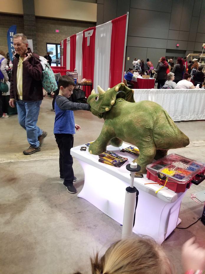 Animatronic-Dinosaur-At-Kids-Party.jpg