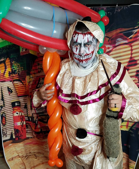 Halloween-Clown-Face-Paint.jpg