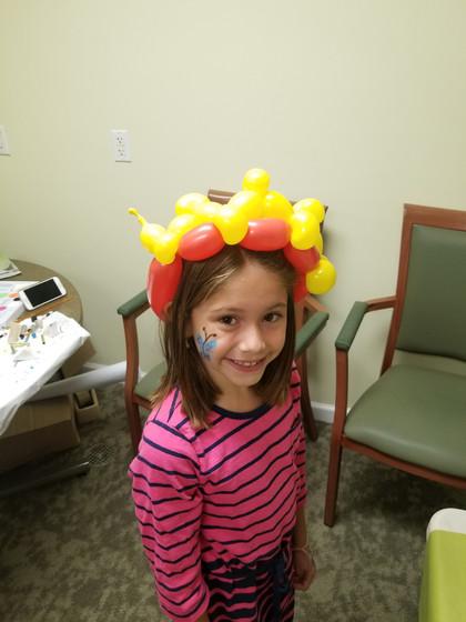 Crown-Balloon-Twisting-For-Kid.jpg