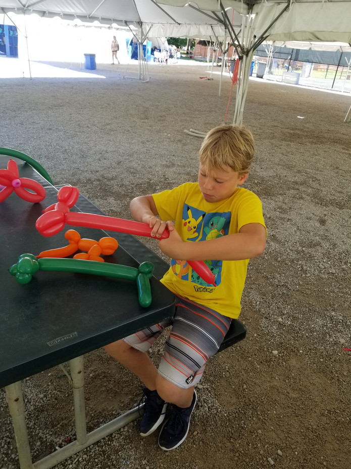 Balloon-Twisting-Tutorial-For-Kids.jpg