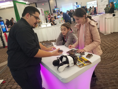 Magician-For-Kids-At-Trade-Show.jpg