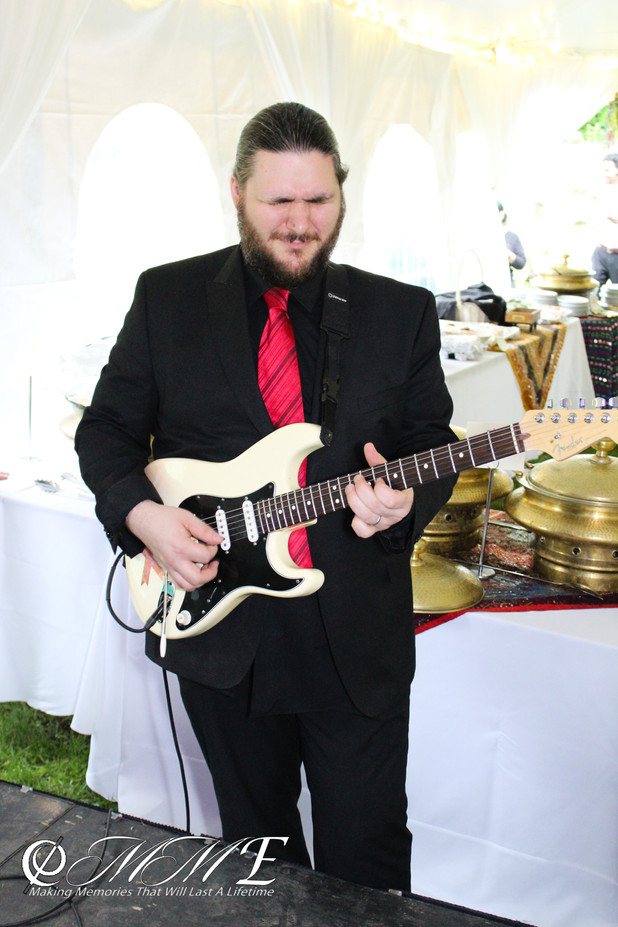 Electric-Guitarist-For-Band.jpg