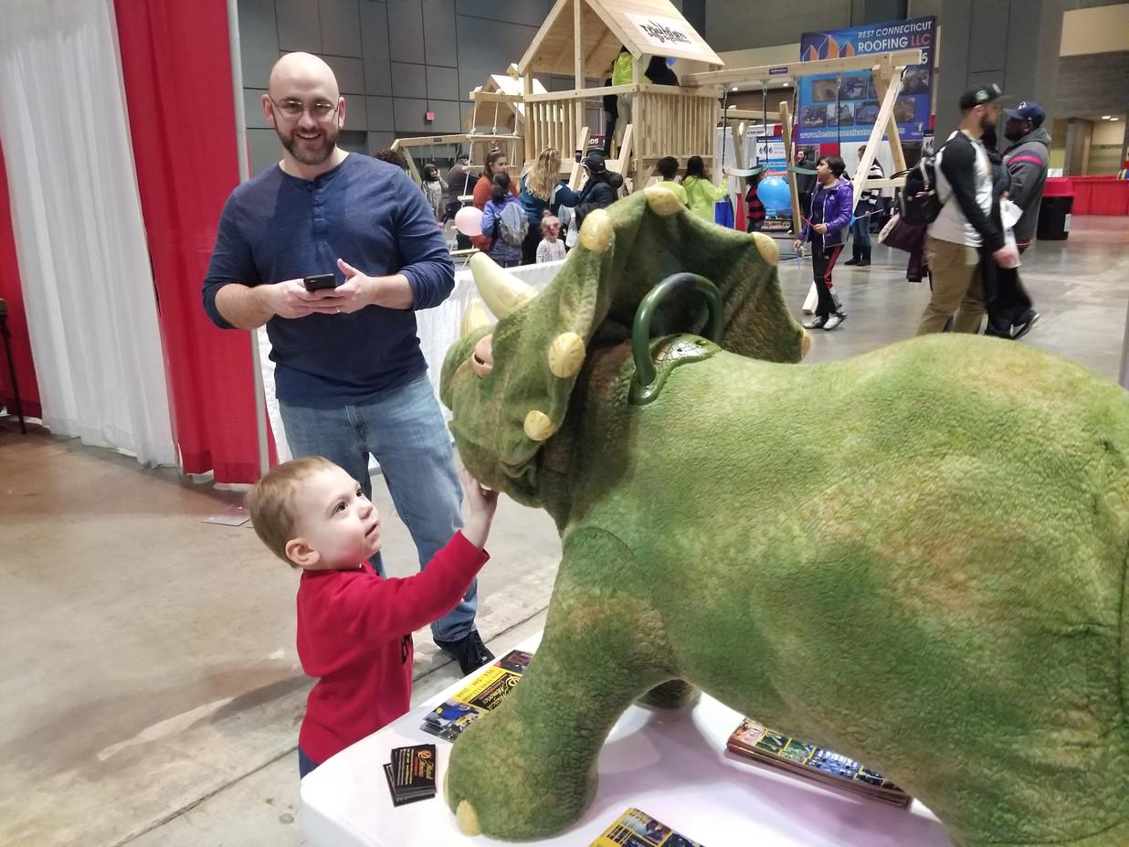 Animatronic-Dinosaur-With-Little-Boy.jpg