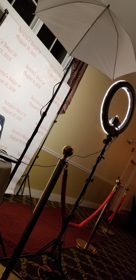 Paparazzi-Photo-Booth-Station-Set-Up.jpg