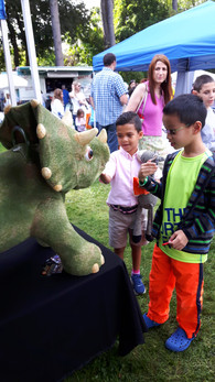 Animatronic-Dinosaur-At-Kids-Event.jpg